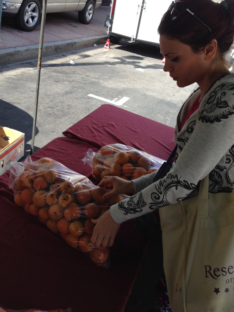 HOLLYWOOD FARMERS MARKET CALIFORNIA ORANGES ORGANIC