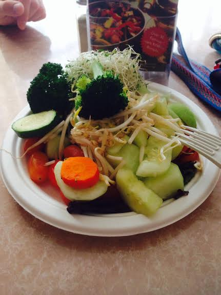 govindas vegan raw plate veggies